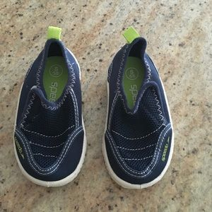 Speedo, toddler size S (5/6), water shoes.